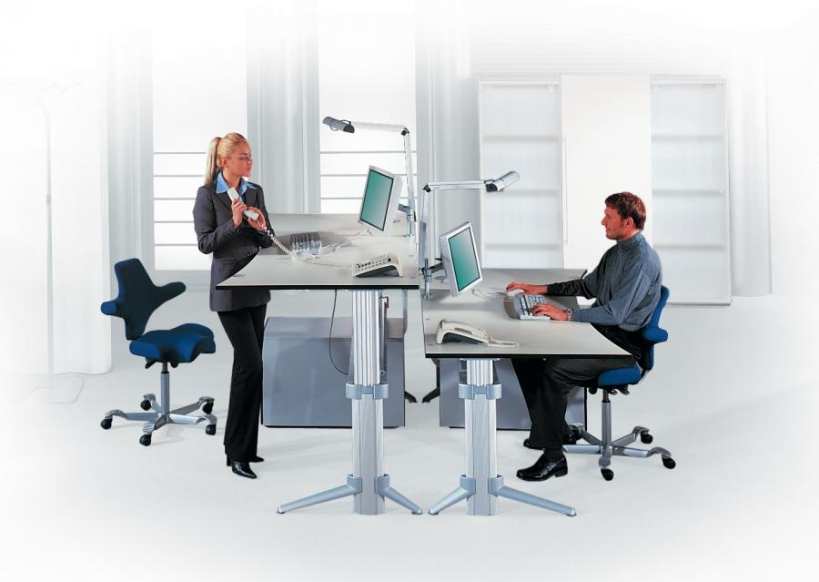 Leuwico Go²: Höhenverstellbare Schreibtische und Steh-Sitz-Tische