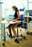 tipps f r den kauf von b rost hlen wie finde ich den perfekten arbeitsstuhl. Black Bedroom Furniture Sets. Home Design Ideas
