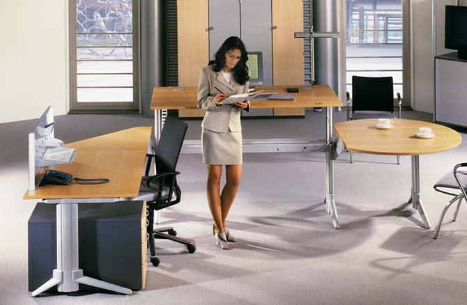 Büromöbel GO² move: Winkelkombination. (Bildseite)