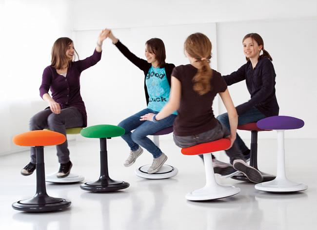 ergonomischer hocker ongo trainingsspiel bildseite. Black Bedroom Furniture Sets. Home Design Ideas